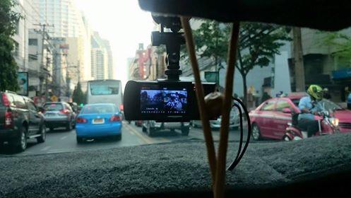 フロント、バックモニターをつけているタイのタクシー!(タイ・バンコク2015/3/11)